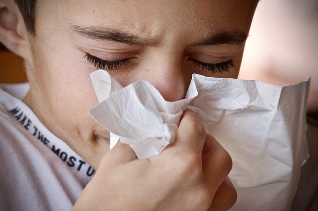alergický chlapec