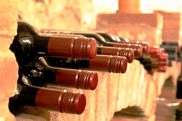 Uskladněné lahve vína