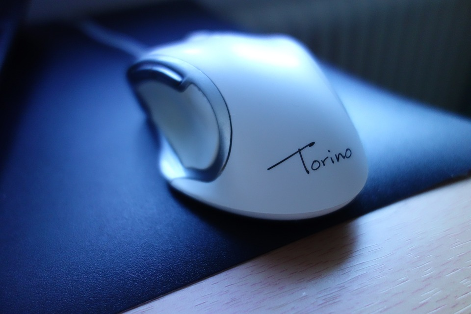 laserová myš