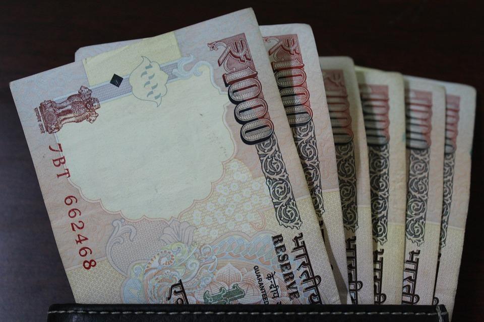 tisícové bankovky